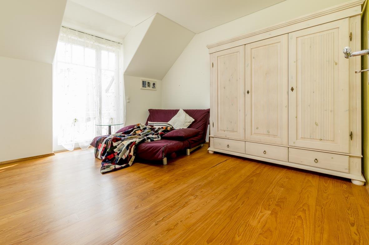 privathaus b hl dr sedau. Black Bedroom Furniture Sets. Home Design Ideas